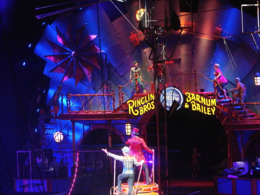 circus 021215 www.janeanesworld.com